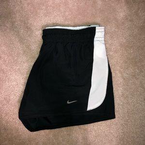 Nike Running Shorts 🏃🏽♀️